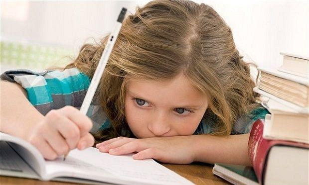 Όταν το άγχος αποθαρρύνει τη συμμετοχή του παιδιού στην τάξη