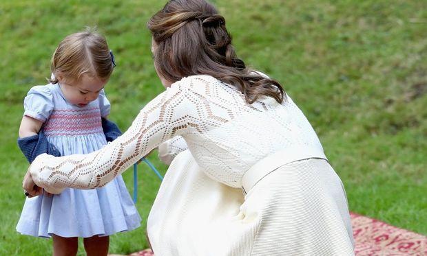 15 φορές που η Kate Middleton ήταν απλώς... μία κανονική μαμά!