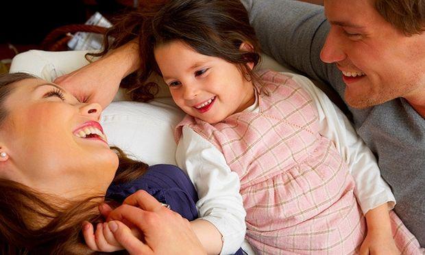 8 λόγοι που το να είσαι γονιός είναι ίδιο με το ...να είσαι ερωτευμένος!