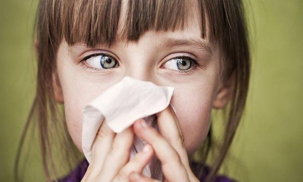Παιδί με αλλεργική ρινίτιδα στο σχολείο: Τι πρέπει να γνωρίζετε για να το βοηθήσετε