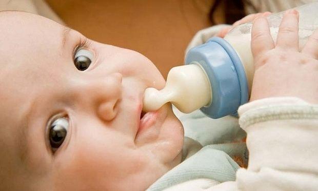 Βρέφος 1-6 μηνών: Πώς αναπτύσσεται το μωρό μήνα-μήνα