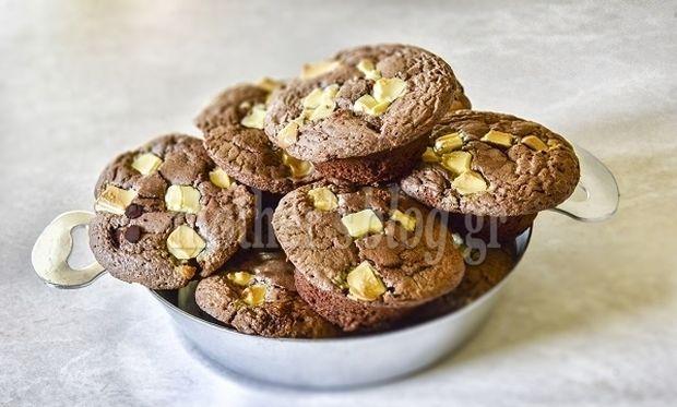 Mini brownies με λευκή και μαύρη σοκολάτα από το Γιώργο Γεράρδο