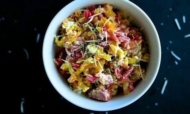 Συνταγή για λαχταριστές βίδες στο φούρνο με λουκάνικο