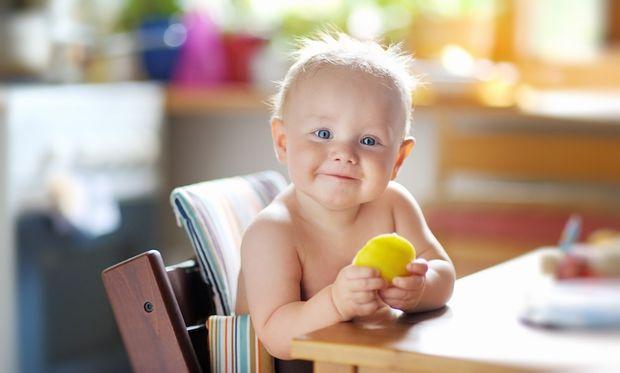 Διατροφή για μωρά: Τι πρέπει να τρώει το βρέφος στο 1ο εξάμηνο και τι στο 2ο