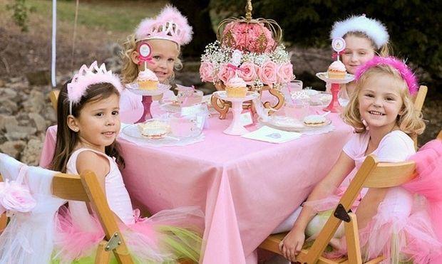 Τιάρες, ραβδάκια και τουτού. Υπέροχες ιδέες για τέλειο κοριτσίστικο πριγκιπικό πάρτι