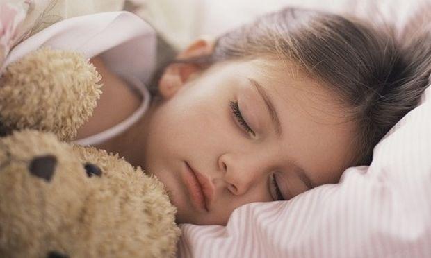 Πόσες ώρες πρέπει να κοιμούνται τα παιδιά όταν πηγαίνουν στο σχολείο (δημοτικό);