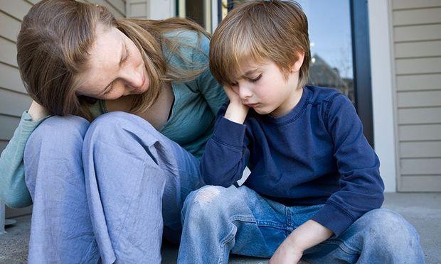 Βοηθήστε το παιδί σας να μιλήσει για το σχολείο