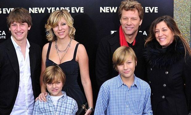Ο Jon Bon Jovi μιλάει για τα παιδιά του μετά από 3 δεκαετίες στη μουσική βιομηχανία!