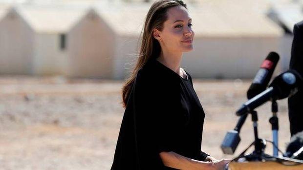 Στη Τζολί η αποκλειστική κηδεμονία των έξι παιδιών