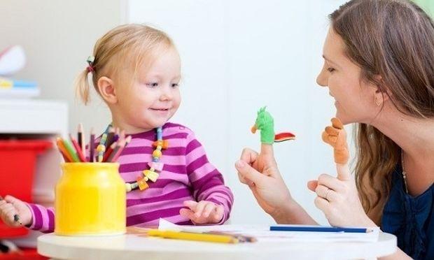 Πότε το παιδί αναπτύσσει κοινωνική συμπεριφορά;
