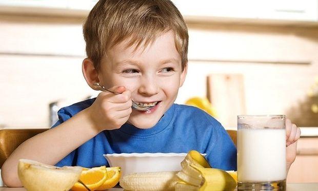 Υγιεινή διατροφή για παιδιά: 6 διατροφικοί μύθοι που παχαίνουν τα παιδιά