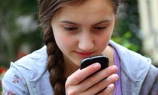 Παιδί και διαδίκτυο: Να κάνει check-in ή να μην κάνει το παιδί μου;