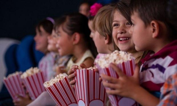 Σε ποια ηλικία πρέπει να πάει πρώτη φορά το παιδί κινηματογράφο;