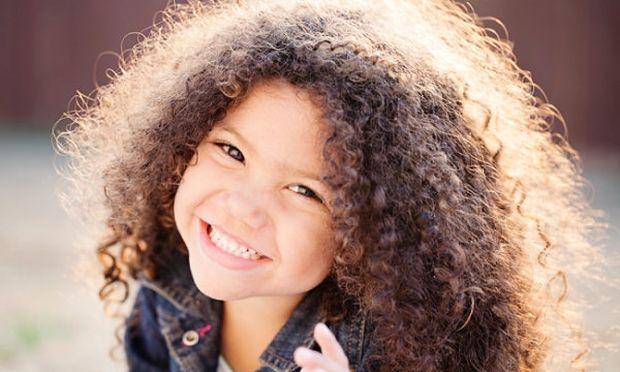 Δεν χτενίζονται με τίποτε τα μαλλιά των παιδιών σας; Μπορεί να φταίνε τα γονίδιά τους!