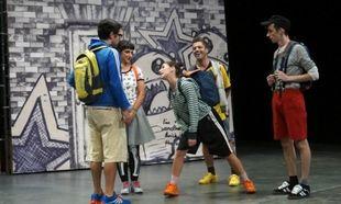 """«Είστε και Φαίνεστε», μία παράσταση με θέμα το bullying και το σχολικό άγχος, στο θέατρο """"Τζένη Καρέζη"""""""