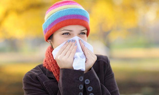 Πώς θα αντιμετωπίσετε φυσικά το κρύωμα και τη γρίπη του χειμώνα