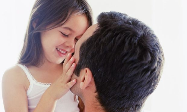Απίθανα αποτελέσματα δίνει έρευνα για τη ζεστασιά της πατρικής αγάπης...