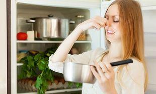 Εύκολοι τρόποι για να μη μυρίζει το ψυγείο σας