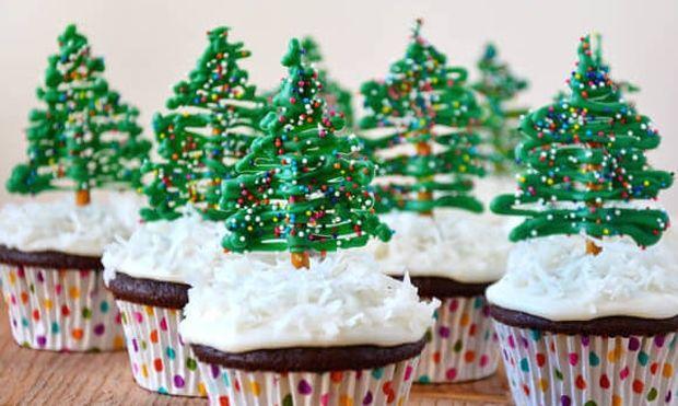 Χριστουγεννιάτικα ελατάκια για τα κεκάκια, τα γλυκά σας και τη βασιλόπιτά σας!