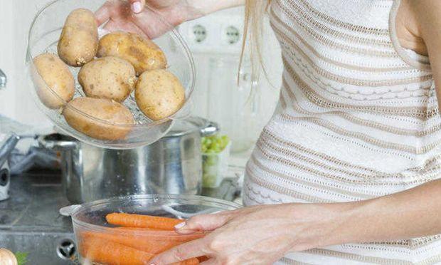 Aποφύγετε τις πολλές πατάτες στην εγκυμοσύνη σας