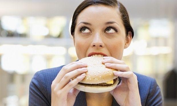 Τι πρέπει να περιέχει το μεσημεριανό μου γεύμα στη δουλειά;