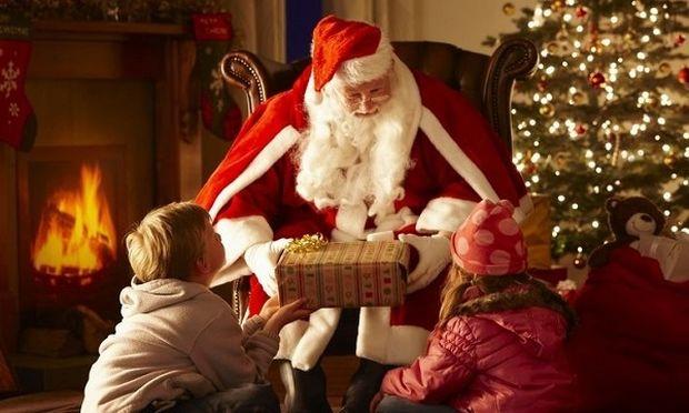 Χριστουγεννιάτικα παραμύθια και ο μύθος του Αη Βασίλη... Tελικά τι πρέπει να κάνουμε ως γονείς;
