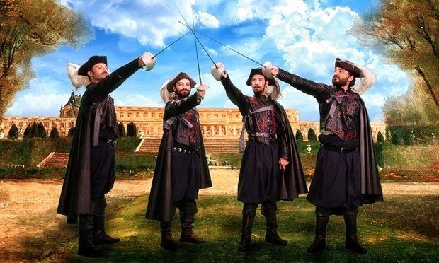 «Οι τρεις σωματοφύλακες»: Το αριστούργημα του Αλέξανδρου Δουμά παρουσιάζεται στο θέατρο Ακροπόλ!