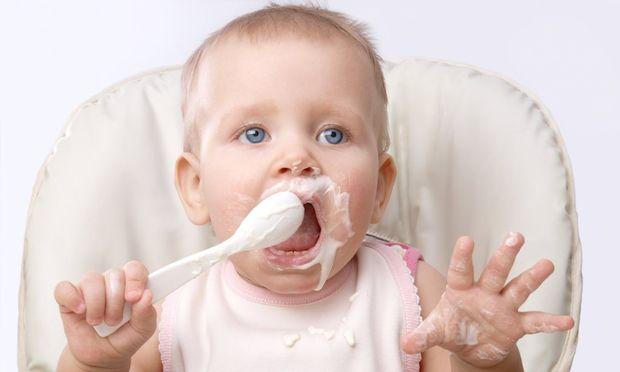 Πώς εισάγουμε τη στερεά τροφή στη διατροφή του μωρού