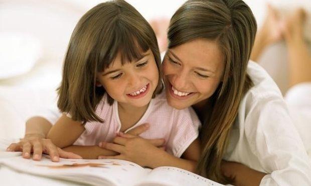 Γιατί το παιδί πρέπει να διαβάζει με τη μητέρα- Ποια είναι τα οφέλη