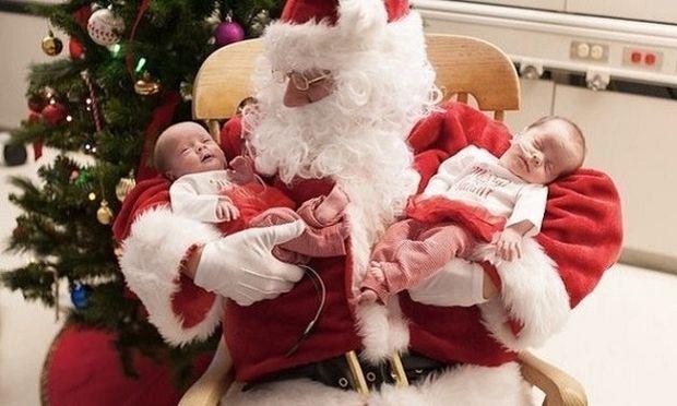 Δεν μπορούσαν να πάνε στον Άγιο Βασίλη, έτσι τα επισκέφτηκε εκείνος!