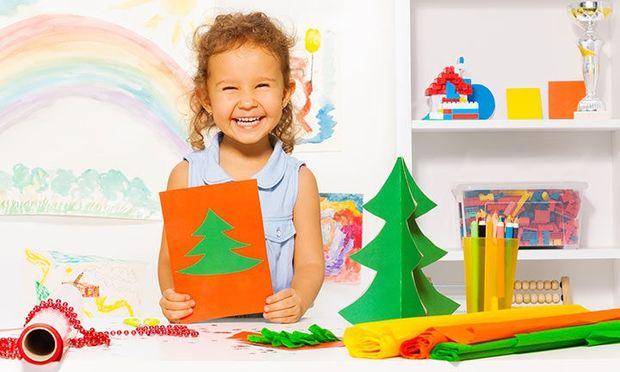 4 υπέροχες κατασκευές με χριστουγεννιάτικα δεντράκια για παιδιά