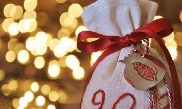 Τι συμβολίζουν τα γούρια που προσφέρουμε στις γιορτές;