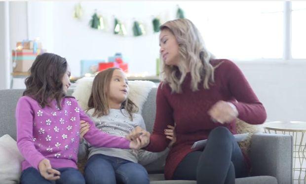 Γράμμα στη μαμά για τα Χριστούγεννα: 4 ιστορίες που θα σας συγκινήσουν