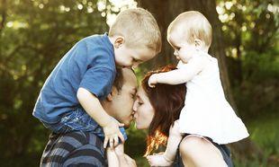 Εκείνοι που αγαπιούνται μεταξύ τους, είναι οι καλοί γονείς!
