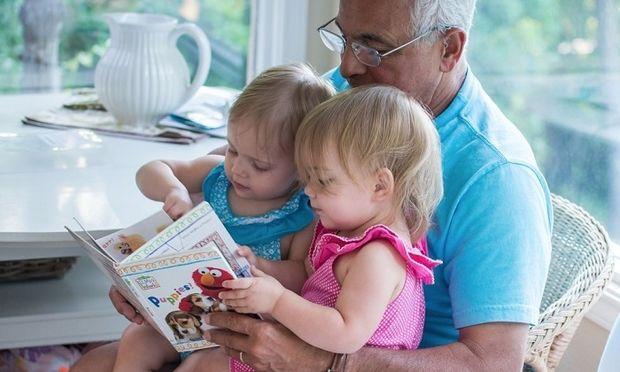 7 τρόποι να κάνετε το παιδάκι σας να διαβάζει περισσότερο αυτή τη χρονιά