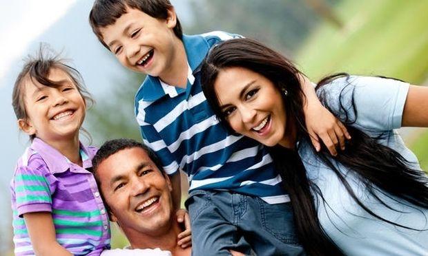 4 πράγματα που μπορούν να κάνουν οι γονείς και να έχουν θετικό αντίκτυπο στα παιδιά