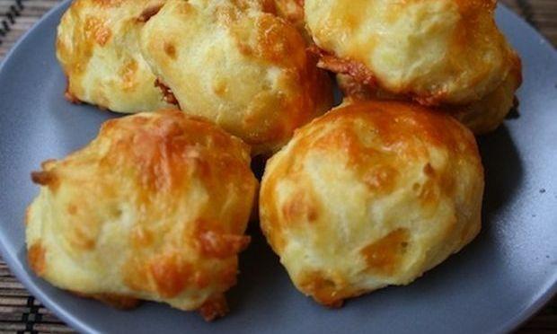Φανταστικά ψωμάκια γεμιστά με τυριά!
