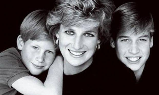 Τα χειρόγραφα της Πριγκίπισσας Diana είναι κυρίως αφιερωμένα στους αγαπημένους της γιους William και Harry.