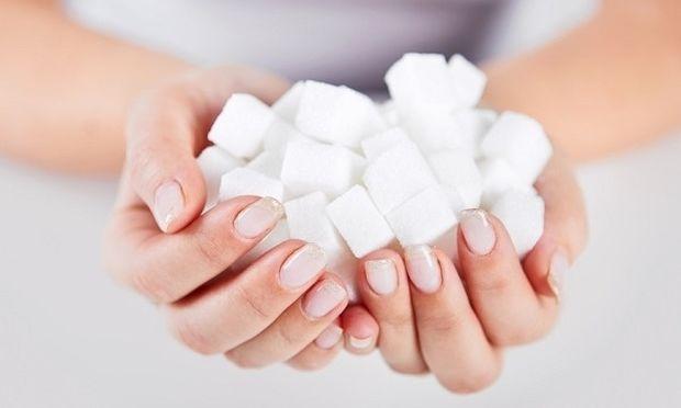 Γιατί πρέπει να προσθέτετε μία κουταλιά ζάχαρη στο σαμπουάν