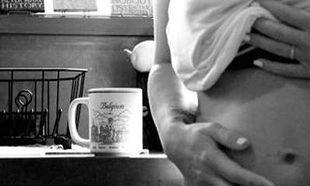 Τα δύσκολα βράδια της γνωστής τραγουδίστριας με το νεογέννητο γιο της (photo)