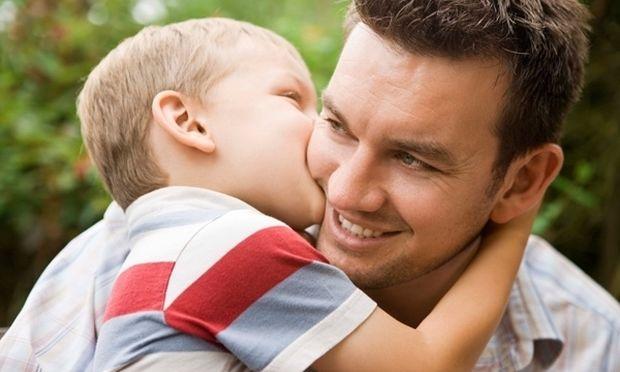 Τι κάνει ένας καλός μπαμπάς...;
