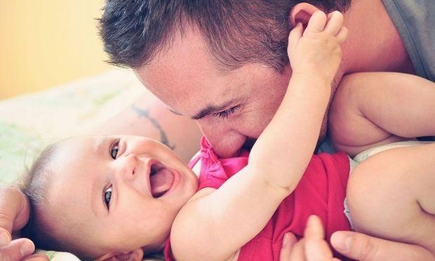 Και οι μπαμπάδες έχουν επιλόχειο κατάθλιψη- Αναγνωρίστε έγκαιρα τα σημάδια