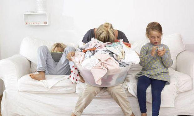 9 πράγματα που δεν πρέπει να πείτε σε έναν εξαντλημένο, από την αϋπνία, γονιό