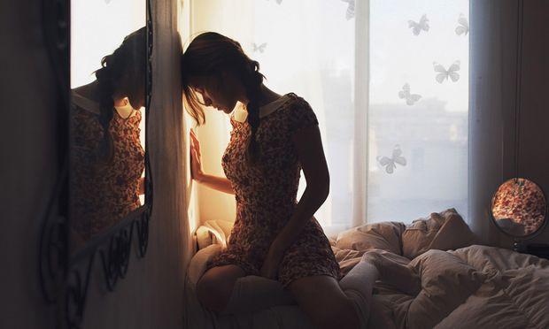 «Θέλω να μιλήσω, αλλά φοβάμαι ότι θα με χαρακτηρίσουν κακή μητέρα ή και χειρότερα... θα μου πάρουν το παιδί»