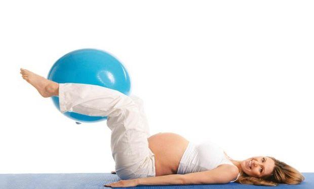 Γυμναστική στην εγκυμοσύνη: Τι σας προσφέρει και πότε απαγορεύεται