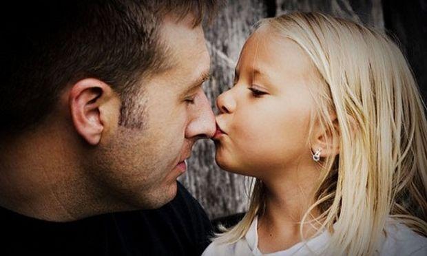 Μπορεί ο γονιός που δεν έχει την επιμέλεια του παιδιού, να επικοινωνεί μαζί του;