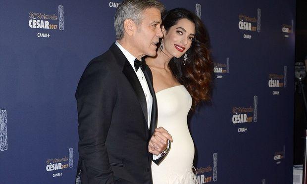 Μεγάλωσε η κοιλίτσα της Amal Clooney!