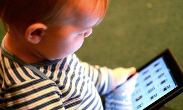 Προστατεύστε τα παιδιά από τη μη ιονίζουσα ακτινοβολία με αυτούς τους τρόπους