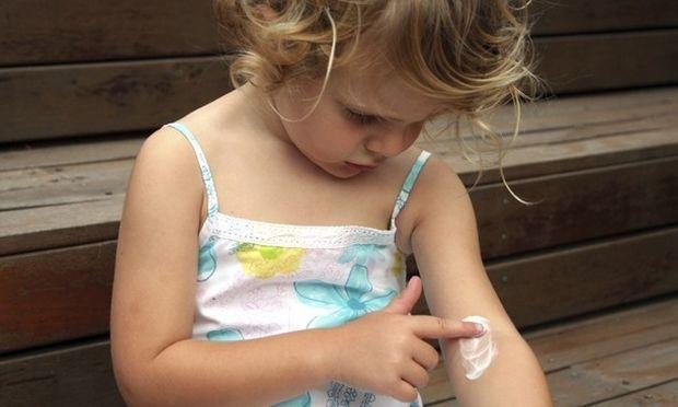 Εντομοαπωθητικά και παιδί: Πρακτικές συμβουλές για σωστή χρήση