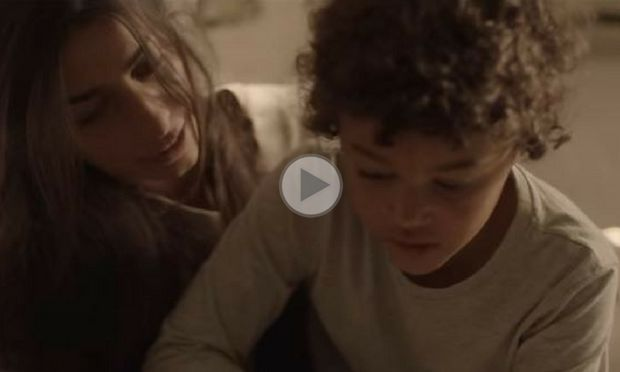 «Rockabye», ένα τραγούδι αφιερωμένο σε όλες τις μαμάδες που κάνουν τα πάντα για τα παιδιά τους